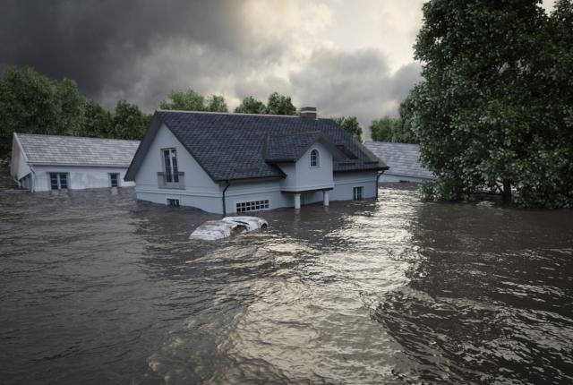大雨・洪水は火災保険の補償範囲?請求期限、請求方法などとともに解説